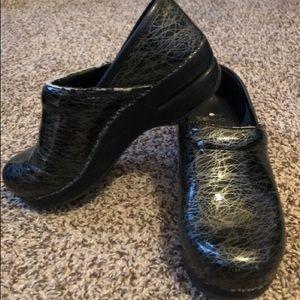 Black Patent Leather Dansko Clogs Size 37